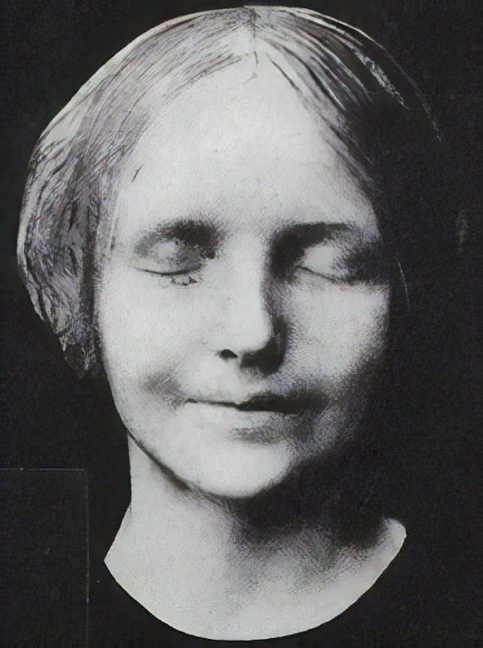 Photo of the Unknown Woman of the Seine