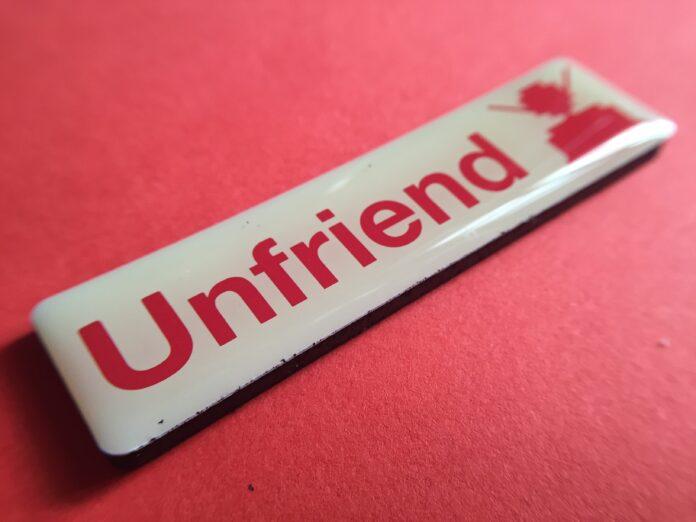 Unfriend button