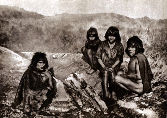 Yaghan (Yámana) people in Tierra del Fuego, ca. 1920