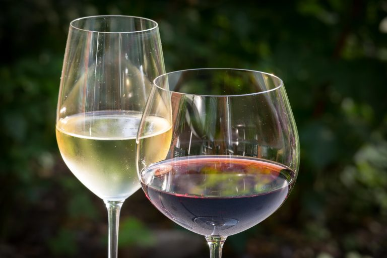 White and red wines